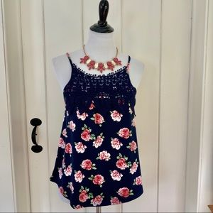ANTHRO E HANGER M Navy Floral & Lace Strappy Top
